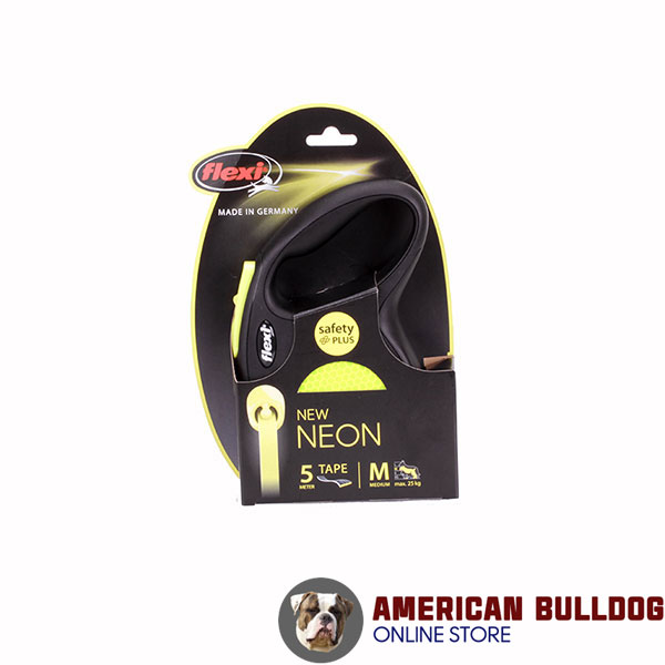 Retractable Leash with Easy-to-use Reliable Chrome Plated Snap Hook