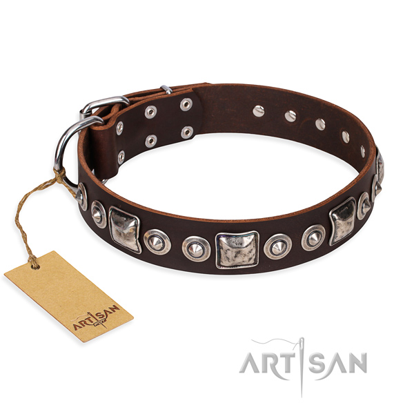 Leather dog collar made of best quality material with strong traditional buckle