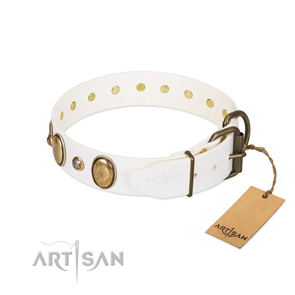 Comfortable wearing leather dog collar
